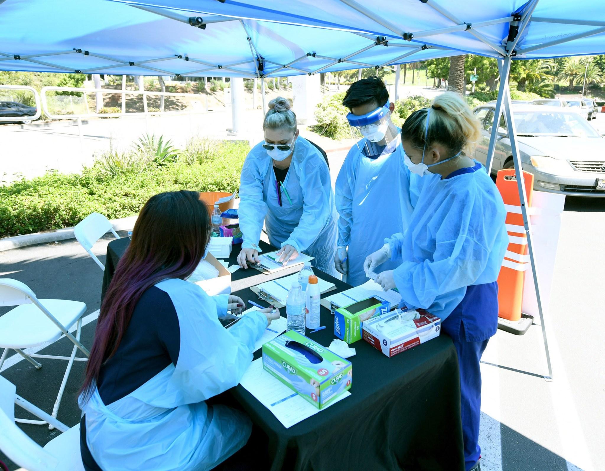 अमेरिकामा थप १ लाख ७२ हजारमा संक्रमण, संक्रमित बढेपछि क्यालिफोर्नियामा निषेधाज्ञा